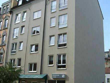 +++Helle geräumige Wohnung in guter Ausstattung an einer ruhigen Nebenstrasse+++