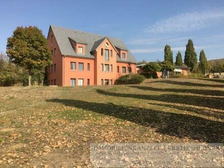 Attraktives Anwesen im Toskana-Stil mit MFH, EFH und 2 Baurechten