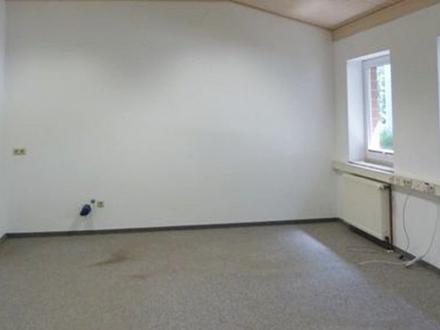 Bürofläche mit großem Lager und Stellplätzen im Gewerbegebiet von Ritterhude