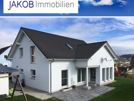 Modernes Familienhaus mit herrlichem Garten - Fernsicht inklusive.