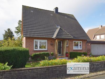 Charmantes gepflegtes Haus mit großem Grundstück, Keller und Doppelgarage. Ideal für Ihre Familie!
