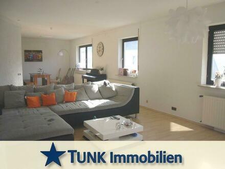 Geräumige 4,5-Zimmer-Wohnung über 2 Etagen mit Freisitz in Karlstein
