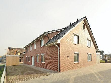 TT Immobilien bietet Ihnen: Energieeffiziente Neubauwohnung mit Balkon in Jever!