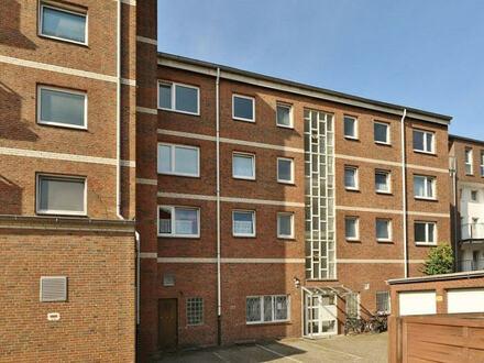 TT bietet an: Zentral gelegene 3-Zimmer-Mietwohnung in Heppens!