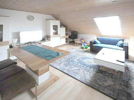 Freundliche 3-Zimmer-Dachgeschosswohnung in zentraler Lage von Flörsheim!