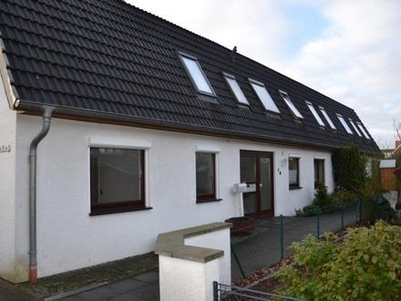 Gepflegtes Reihenmittelhaus in Bremen-Arbergen mit eigener Garage auf dem Garagenhof
