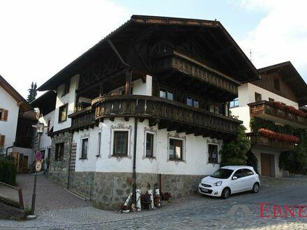 Platz für Familie, Hobby und Beruf! Geräumiges, stilvolles Wohnhaus mit 2 Balkonen, Werkstatt und Nebengeb. in Rinchnach