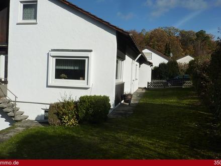 Kleines Einfamilienhaus mit Garten und Garage in beliebter Wohnlage