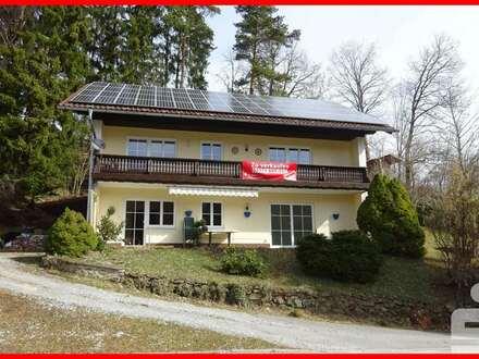 Einfamilienhaus mit Einliegerwohnung in ruhiger und sonniger Ortsrandlage von Bischofsmais
