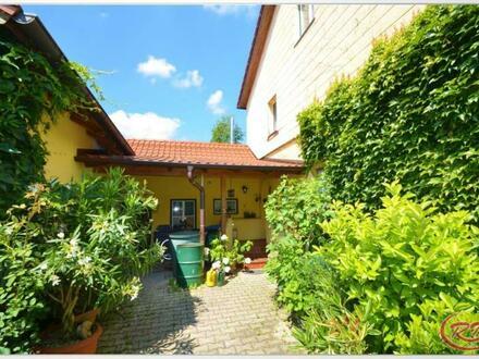 Wohnen im Grünen mit Gartenteich und Pool ++Robert Decker Immobilien++