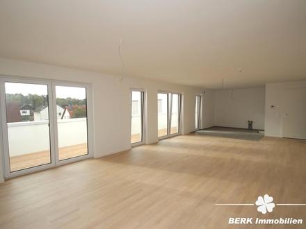 BERK Immobilien - 3-Zimmer-Wohnung im DG mit gr. Balkon in ruhiger Wohnlage!