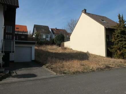 Grundstück mit projektierter Doppelhaushälfte in TOPP-Lage von Essenheim