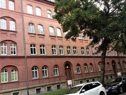 Schicke 3- Raum- Whg.mit Balkon u. EBK in Chemnitz-Hilbersdorf
