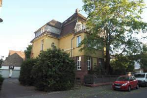 Altbauwohnung mit Wintergarten und Terrasse