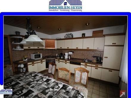 !!!Komplettes Wohnhaus für Montuere mit acht Einzelzimmer!!!