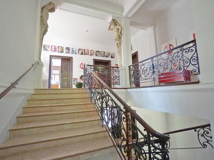 Jahrhundertwendevilla mit 800 qm Nfl. und 5 TG-Plätzen! Ideal als Firmen- und Wohnsitz geeignet