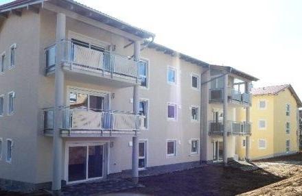 Neubau: Exklusive 3 Zimmer Wohnung m. überdachten Balkon 2.OG, im Passauer Westen zu vermieten!