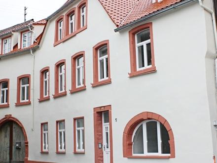 St.Martin/südl.Weinstrasse (Pfalz) Traumhafte, exklusiv sanierte Dachgeschosswohnung in historischem Gebäude!