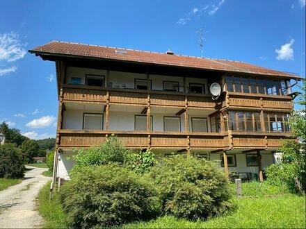 Großzügiges Zweifamilienhaus in Perach