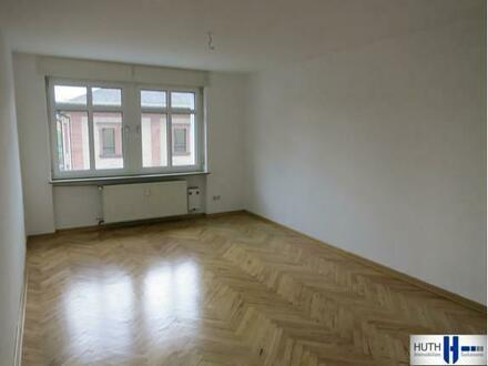 Schöne 3 Zimmer Wohnung direkt in der Aschaffenburger Innenstadt