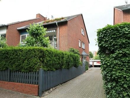 Dachgeschosswohnung mit Balkon und Gartennutzung