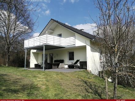 Top! Mehrfamilienhaus (2-3 Wohneinheiten) mit zusätzlichen Baugrund mit ca. 2.500 qm!