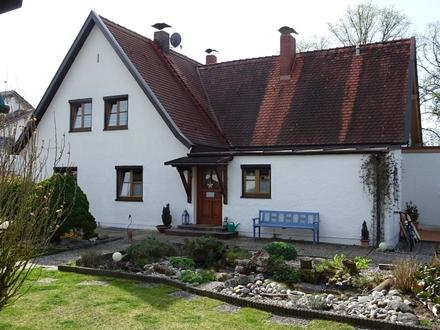 Gepflegte DHH m. herrlich großer Gartenanlage u. Garage in ruhiger, sehr begehrter Wohnlage in Mühldorf am Inn