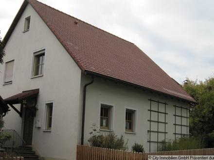 Einfamilienhaus in Fuchsmühl mit kleinem Ferienhaus
