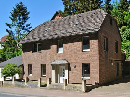 Wohn- und Geschäftshaus in zentraler Lage von P.W.-Hausberge