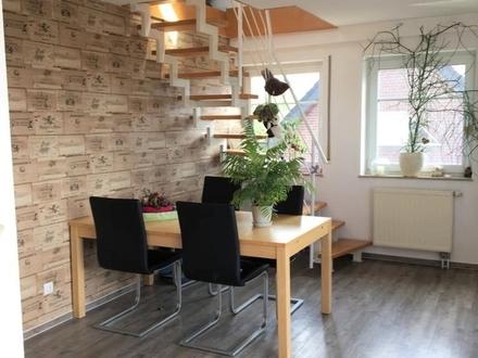 Sehr schöne modernisierte Maisonette-Wohnung mit Balkon in ruhiger Lage
