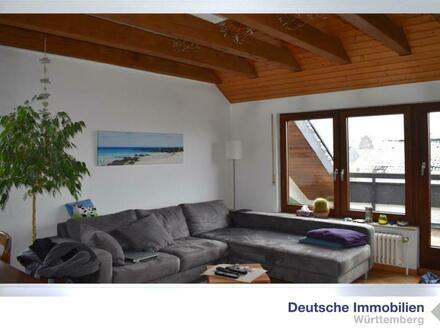 Schicke 3 Zimmer DG Wohnung mit zusätzlichem Nutzraum in Wolfschlugen