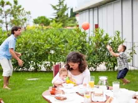 GARTENOASE IN GNEIS 4-Zimmer-Garten-Maisonette Einfach Vollkommen!