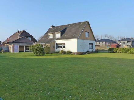 Gelegenheit in gesuchter Lage! Wohnhaus mit großem Grundstück - kleiner Bauplatz abtrennbar- in Aurich-Extum