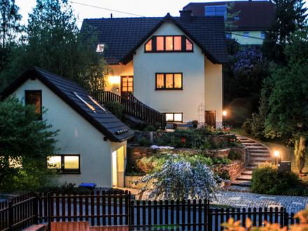 WIEDER VERFÜGBAR+++freistehendes Einfamilienhaus mit unverbautem Ausblick und Doppelgarage