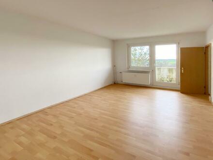 Ein-Raum-Wohnung mit separater Küche und großem Balkon! PLUS Neumietergutschein*