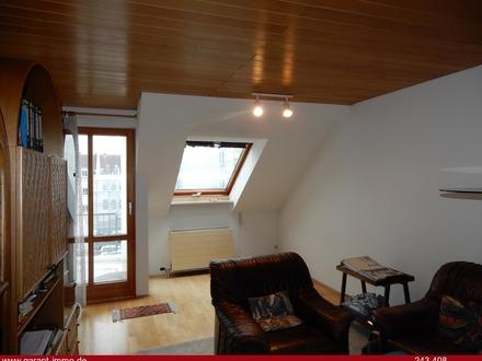 Helle Dachgeschosswohnung in zentraler Lage von Regensburg