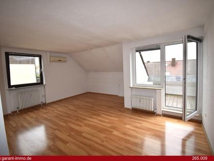 Ruhig, genussvoll und mitten in der Natur leben in traumhafter Dachgeschosswohnung in Zirndorf!