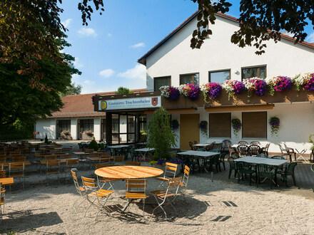 Gaststätte mit großem Saal und prächtigem Biergarten in Königsbrunn zu verpachten
