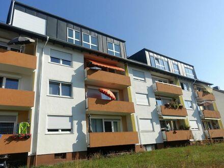 770,- EUR Mietertrag auf 5 1 qm Dachgeschoss NEUAUSBAU + großflächig verglasten Giebel inkl. Möbel