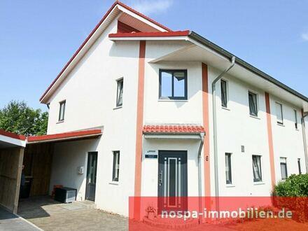 TOP-gepflegte Doppelhaushälfte mit Carport ,Terrasse und Solarthermie in moderner Umgebung