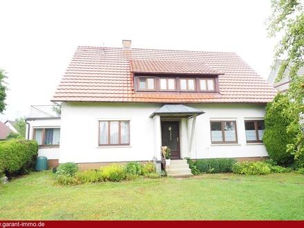 * Gepflegtes Einfamilienhaus im Zentrum von Feldstetten *