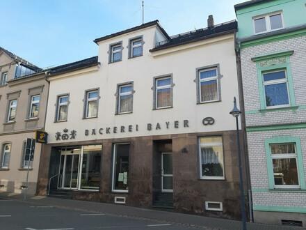 Wohn- und Geschäftshaus in ruhiger Nebenstraße
