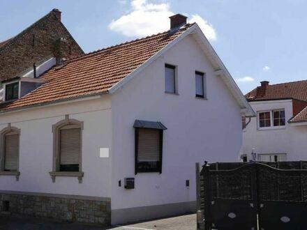 Kleines aber feines Wohnjuwel in Wörrstadt. Saniertes und gepflegtes Einfamilienhaus