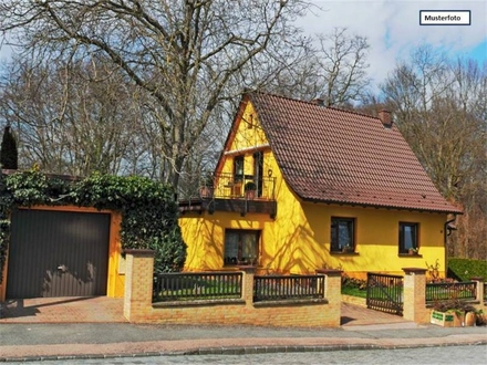 Zwangsversteigerung Einfamilienhaus mit Einliegerwohnung in 72348 Rosenfeld, Göttlerweg