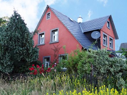 Idyllisch gelegenes Einfamilienhaus im Grünen!