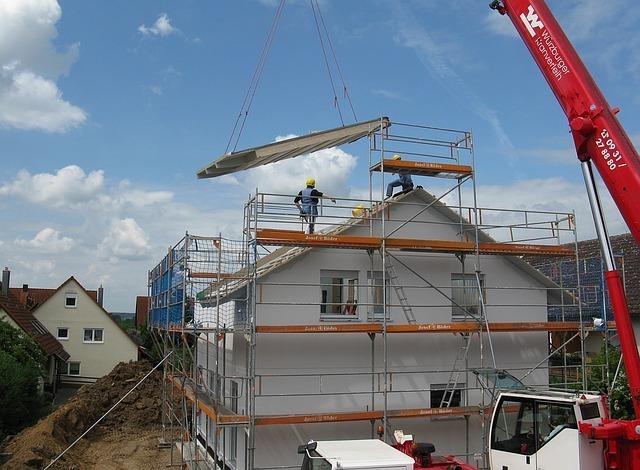 housebuilding-1407499_640.jpg