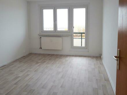 Frisch renoviert!! Attraktive 3-Zimmerwohnung mit Balkon//PVC-Belag//Tageslichtbad+Wanne