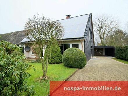 Modernisiertes und stilvoll gestaltetes Wohnhaus auf einem schön eingewachsenem Grundstück!