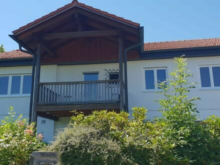 Wohnhaus mit traumhaftem Fernblick in zentraler Lage direkt in der schönen Bayerwaldstadt Waldkirchen zu verkaufen