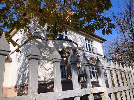 Arbeiten Sie dort wo andere wohnen wollen: Villa im Jugendstil mit Außenbereich sucht Büromieter!